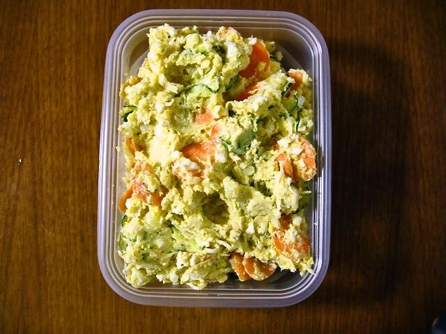 野菜たっぷりポテトサラダ