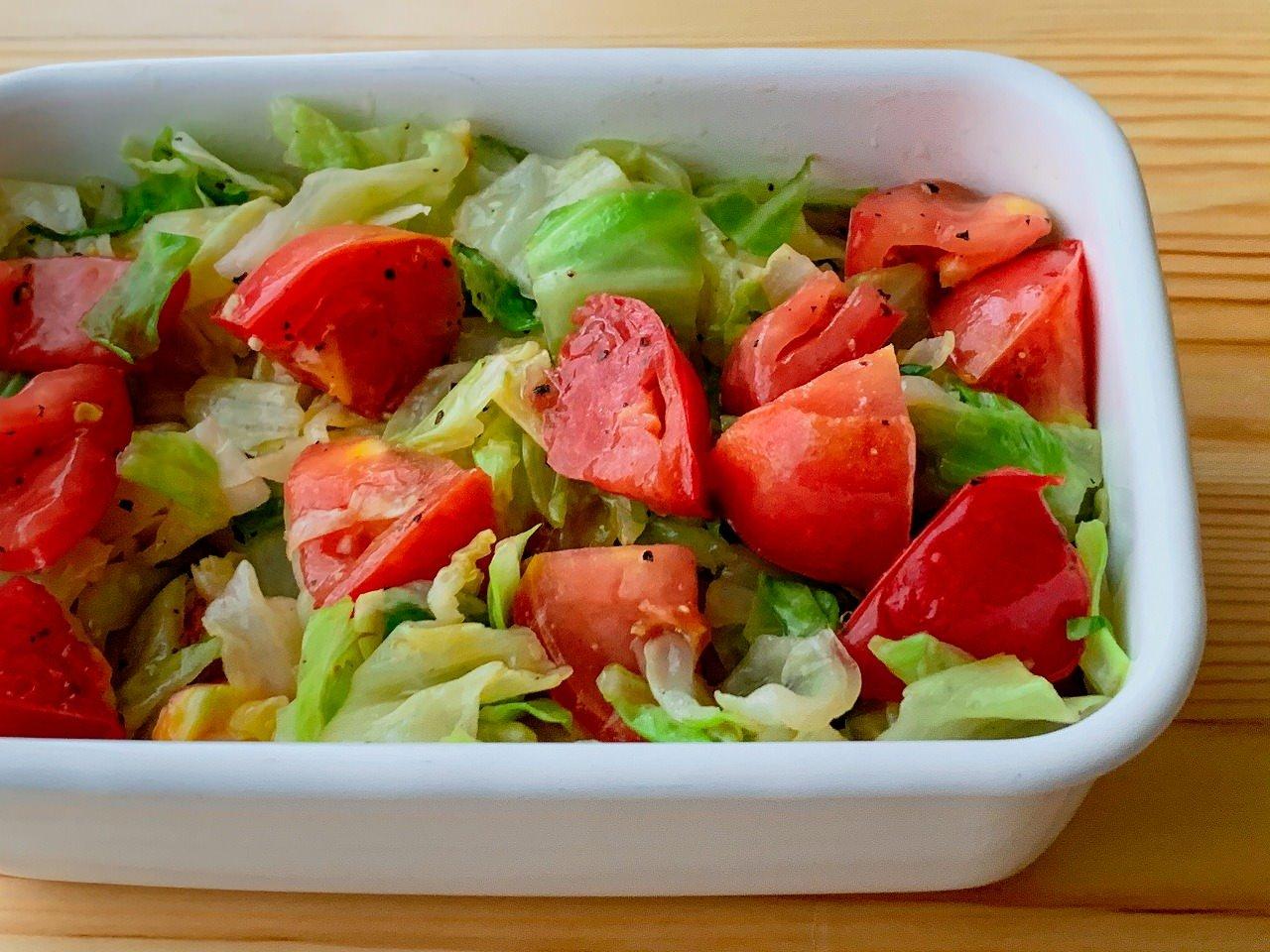 キャベツとトマトのマリネサラダ