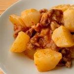 かぶと豚こまのピリ辛チリソース炒め煮
