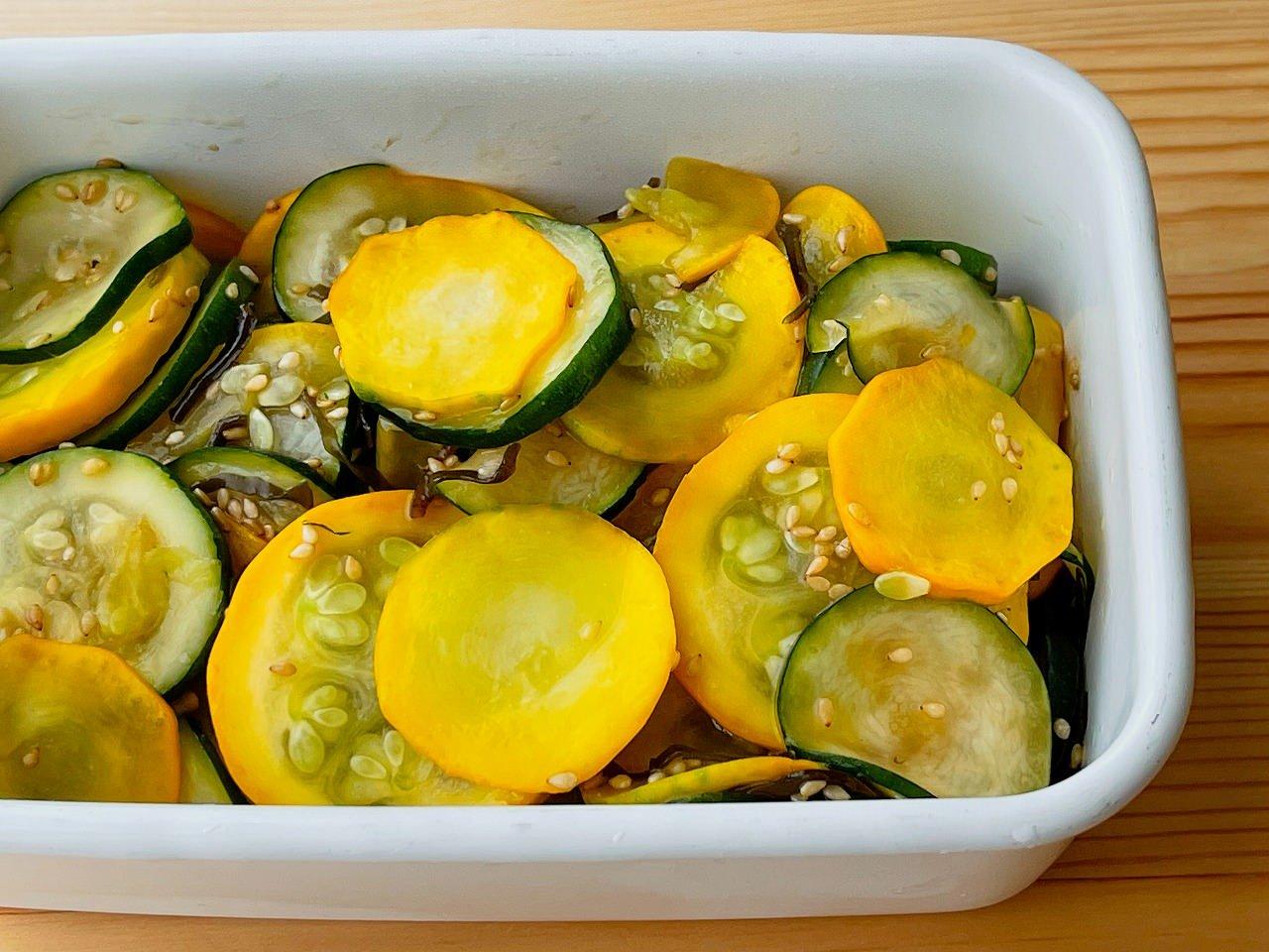 【野菜ひとつ】ズッキーニの塩昆布ごまサラダ