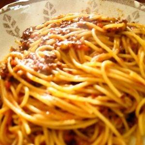 休日に作る本格スパゲティ・ボロネーゼ (ミートソース)