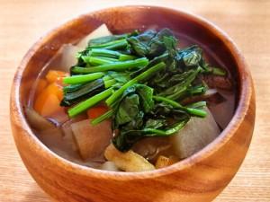 お雑煮にも 野菜たっぷり根菜汁