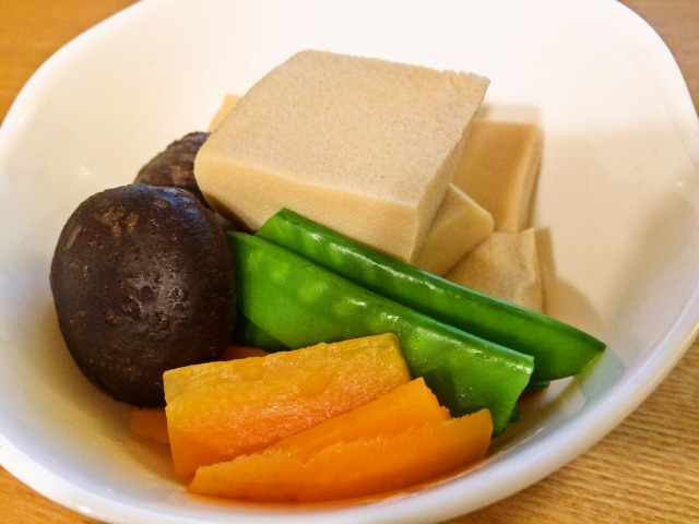 おせち料理にもどうぞ ほっとする味 高野豆腐の含め煮