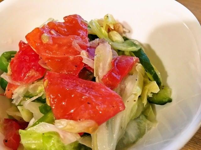 キャベツとトマトの浅漬け風マリネサラダ 生野菜がたっぷりいただけます
