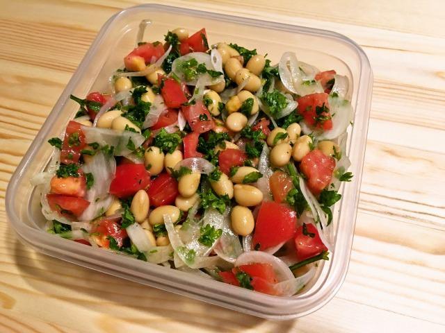 大豆とトマトのマリネサラダ