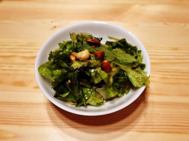濃厚 ミックスナッツの生レタスサラダ