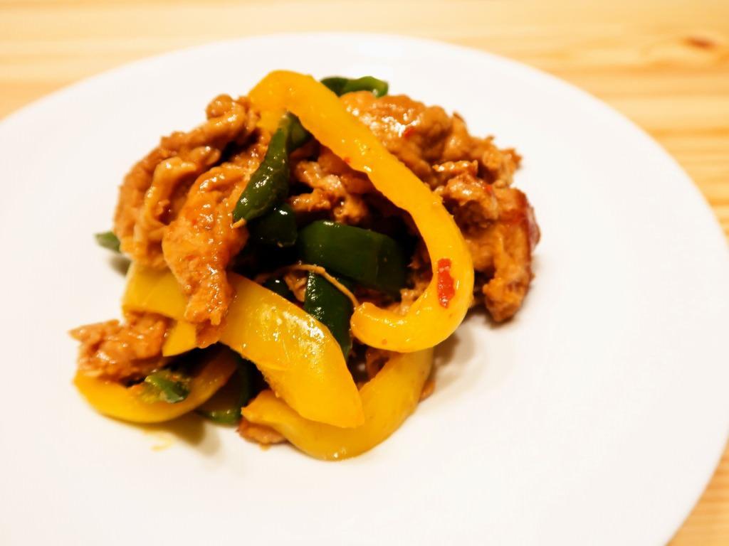 豚肉と夏野菜の豆板醤漬け焼き