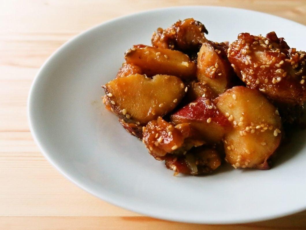 さつまいもと鶏肉の甘酢ごま和え