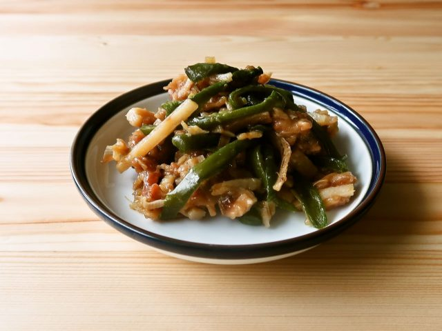 長芋と豚肉の青椒肉絲(チンジャオロースー)風