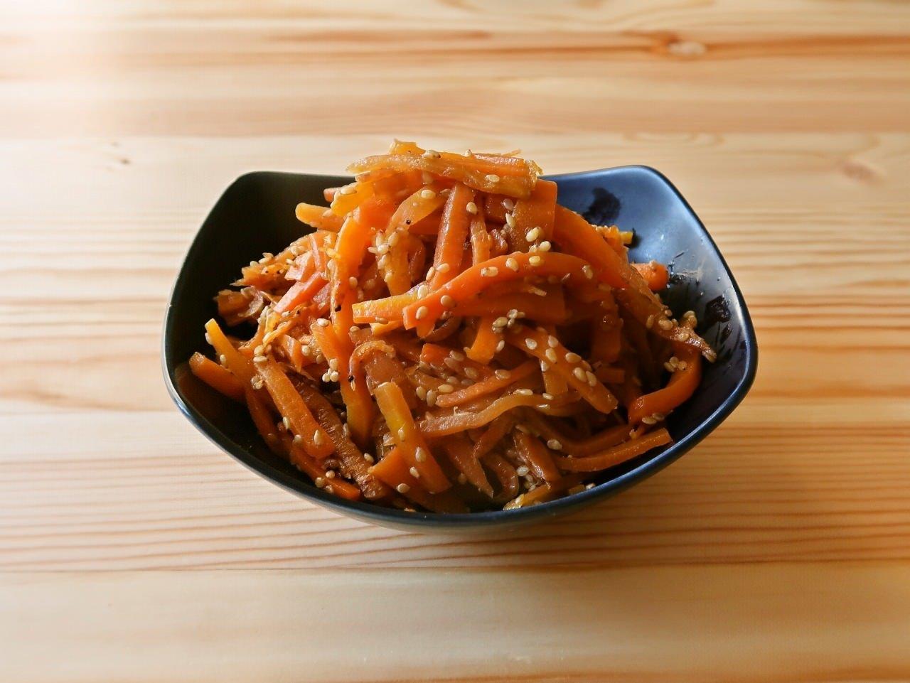 【野菜ひとつ】にんじんのナンプラー炒め