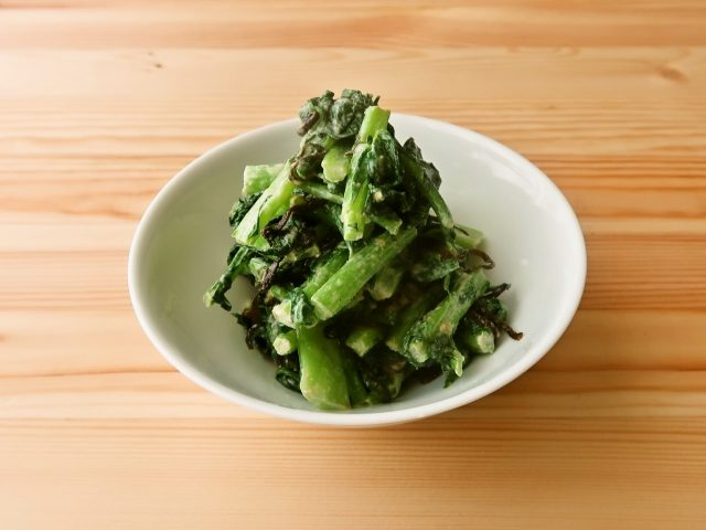【野菜ひとつ】かぶの葉・大根の葉の練りごま塩昆布和え