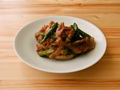 アスパラガスと豚肉のスタミナ炒め