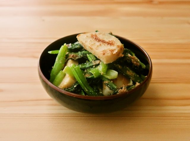 小松菜とかまぼこの胡麻味噌和え