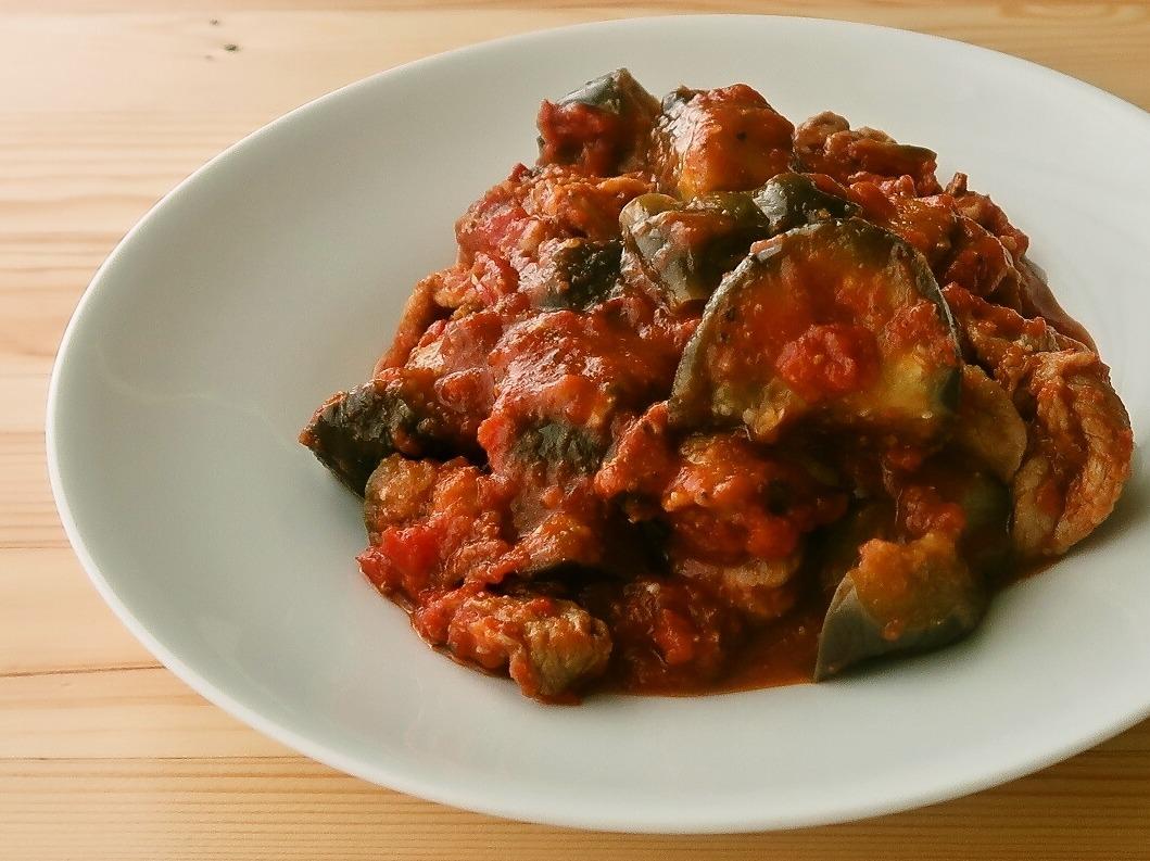 なすと豚肉の簡単トマト煮