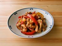 パプリカと鶏むね肉のオイマヨ炒め