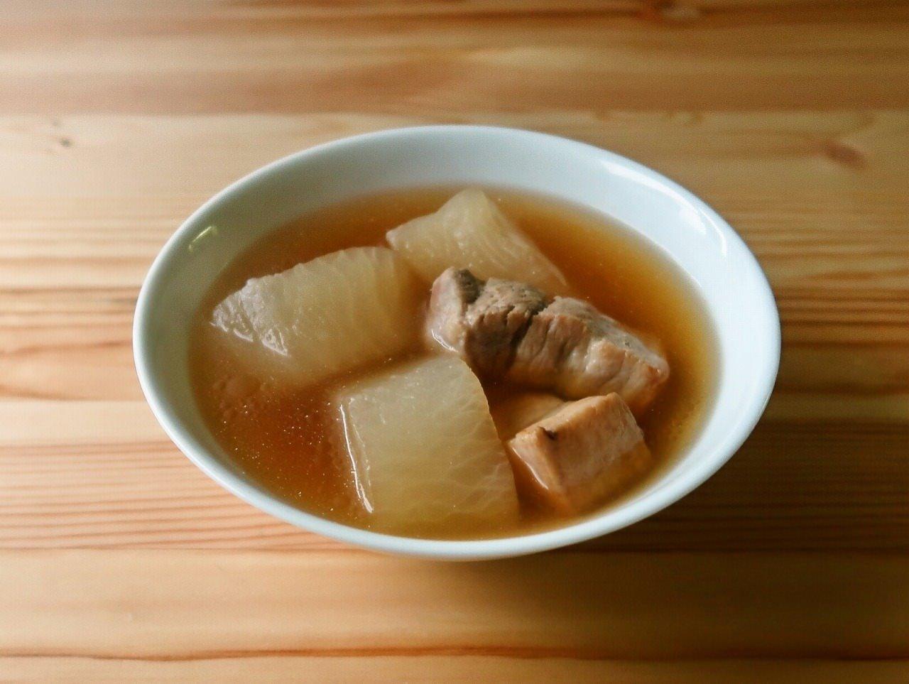 あっさり上品 大根と豚バラ肉の和風スープ