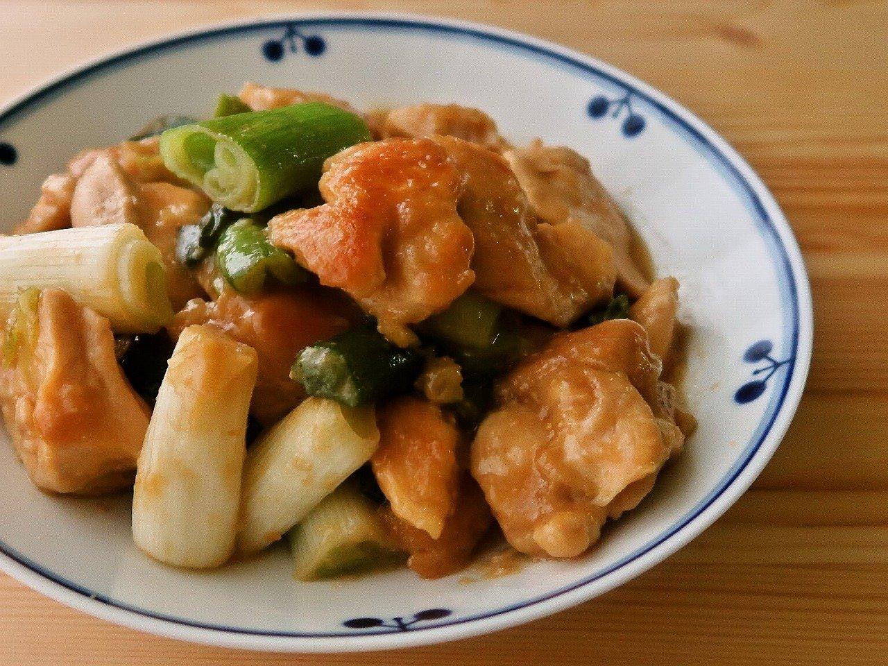 鶏むね肉と長ねぎの味噌炒め