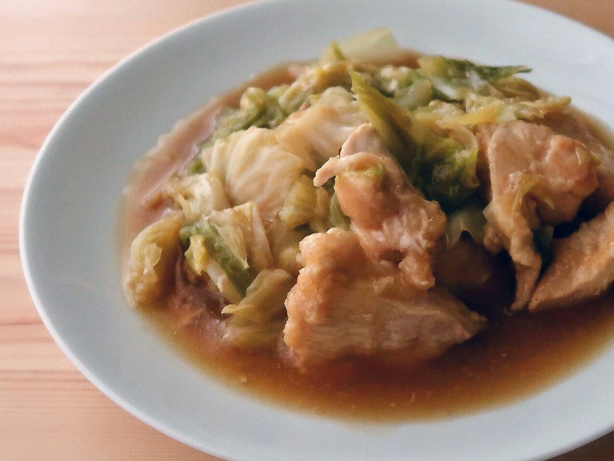 キャベツと鶏むね肉の甘辛蒸し煮