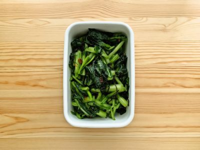 【野菜ひとつ】塩昆布で小松菜の浅漬け