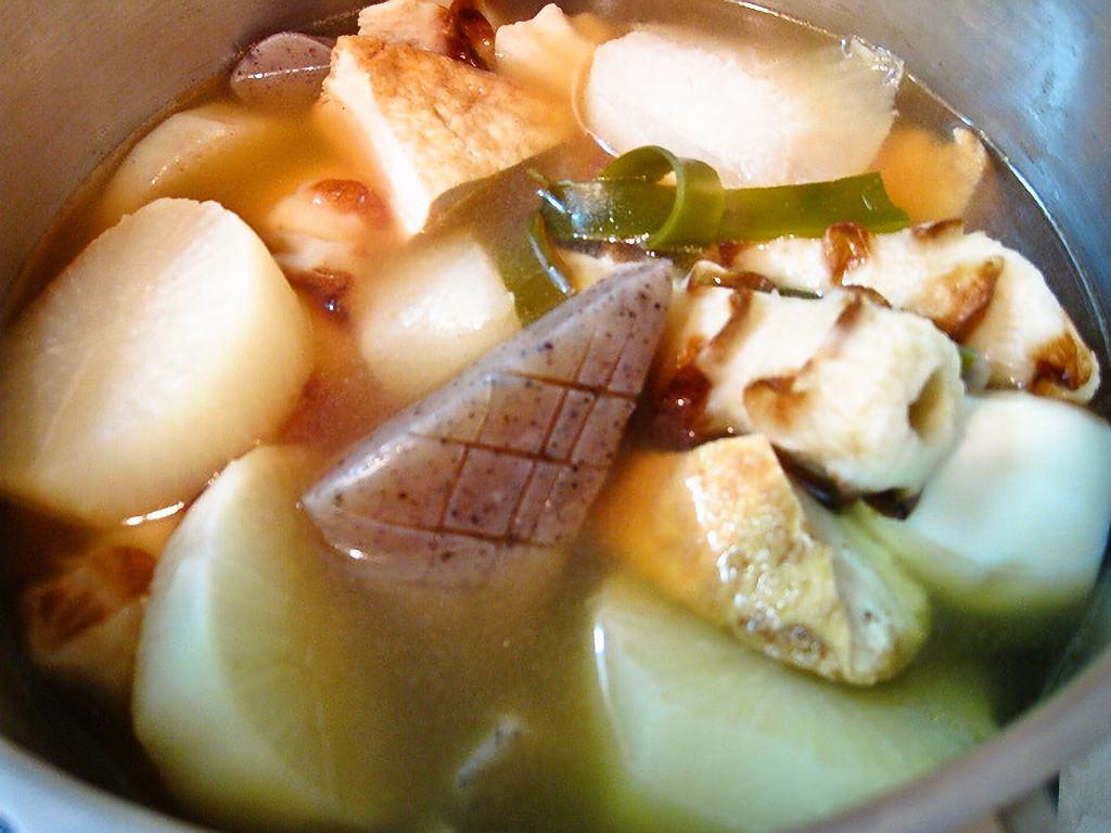 関西風おでんの作り方。だし、味付け、具材の下ごしらえのコツなど